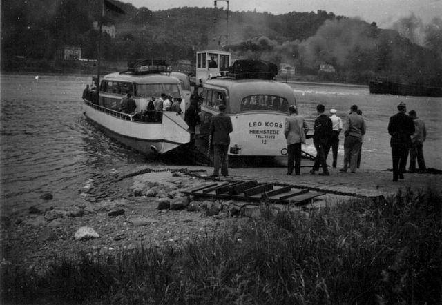 70-bussen-pontje-op-de-rijn-duitsland-jaren-50