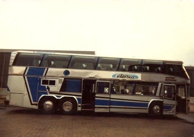 122-bus-32-neoplan-1983-2